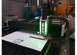 So sánh 2 loại máy cắt Laser CNC Fiber và Plasma CNC